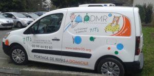 admr-bain-de-bretagne-véhicule-de-portage-de-repas
